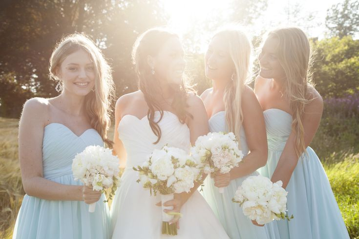 wedding photography bride bridesmaids