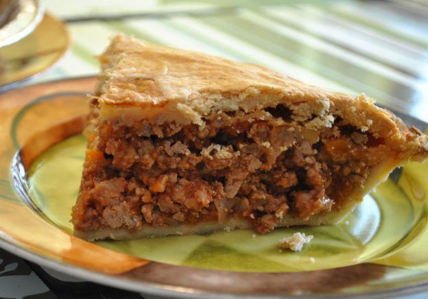 Pâté mexicain - Une recette parfaite de pâté mexicain fait maison! Type de recette : Mexicaine, Boeuf   7 avis Portion : 1 | Temps de préparation : 30 min | Temps de cuisson : 30 min | Temps total : 1h