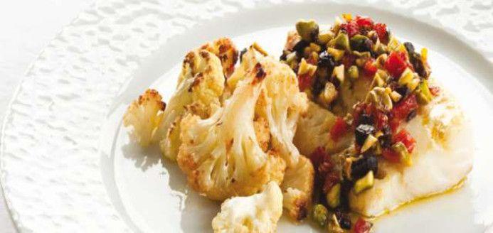 Poisson aux pistaches et aux tomates séchées, chou-fleur grillé Recettes | Ricardo