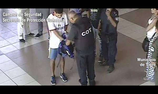 Roba Stereo detenido en la estación de trenes de Tigre