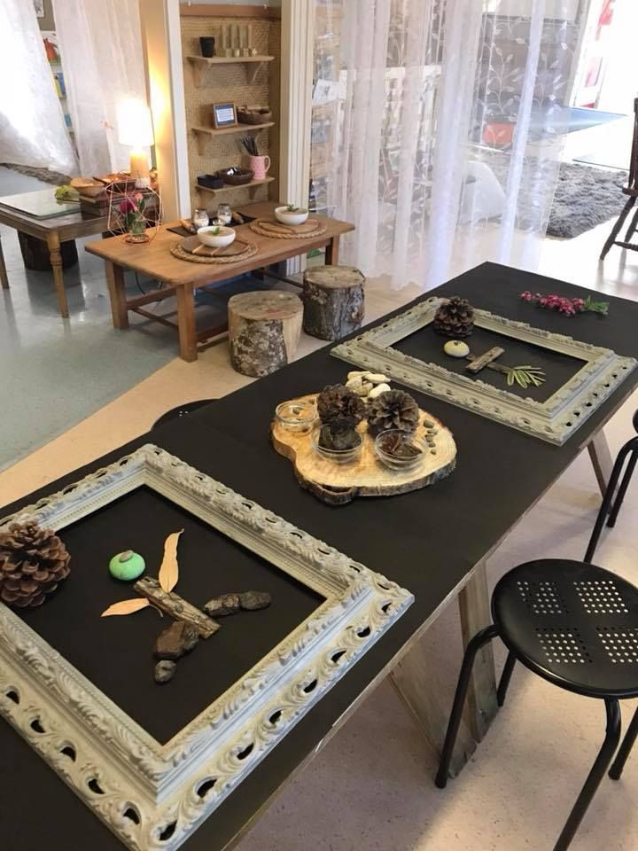 Stokes Valley Kindergarten Love the frames and loose parts! Reggio Inspired Ideas | Early Childhood Activities | Hands On Learning | Loose Parts