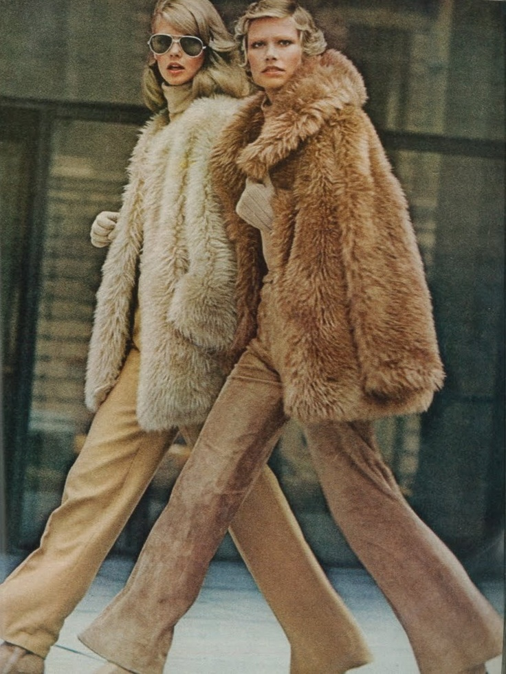 Susan Schoenberg and Charly Stember by Kourken Pakchanian. Vogue September 1972. #editorial #teddybearfur #pixiemarket
