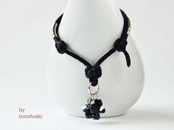 Satin cord bracelet - ransoletka z czarnej satyny ozdobiona kulką z kryształków Swarovskiego - BICONE - JET HEMATITE. Dodatkowa ozdobę stanowią japońskie koraliki MIYUKI