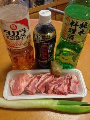 【nanapi】豚の骨付きばら肉のことで、沖縄では「ソーキ」と呼ばれます。美味しいスペアリブの作り方からバーベキューでの調理法、ソーキそばなどのレシピなどをまとめました。