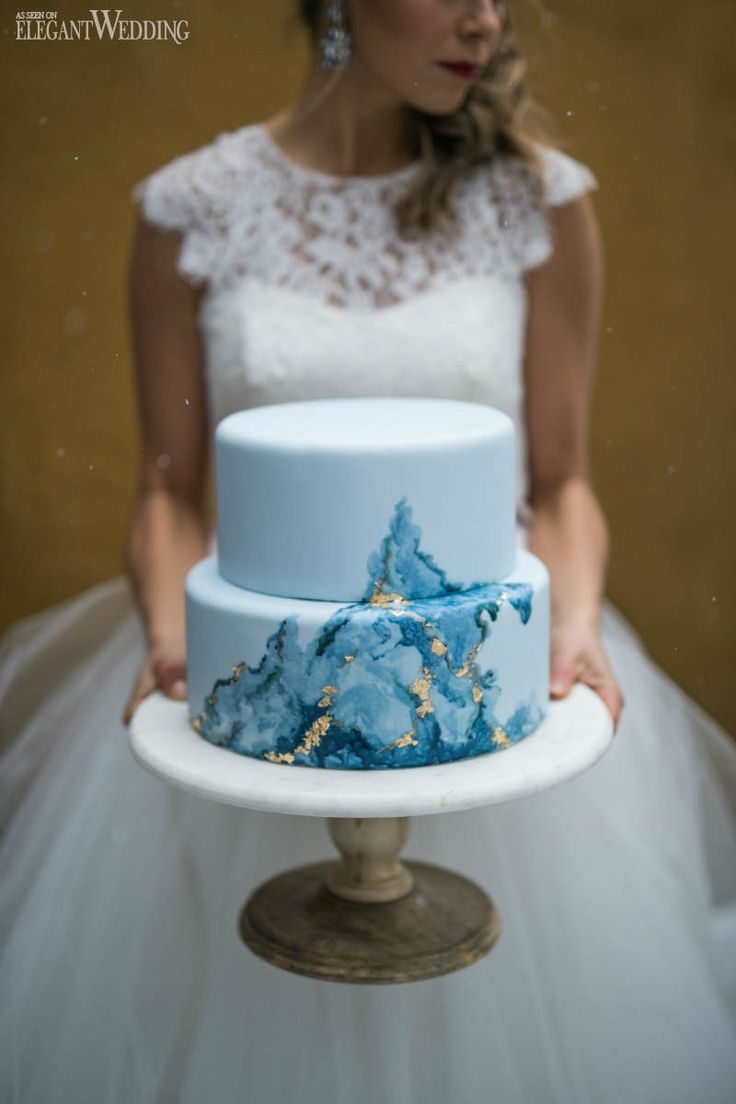 Blue and Gold Marble Wedding Cake | Snowy Outdoor Winter Wedding Inspiration