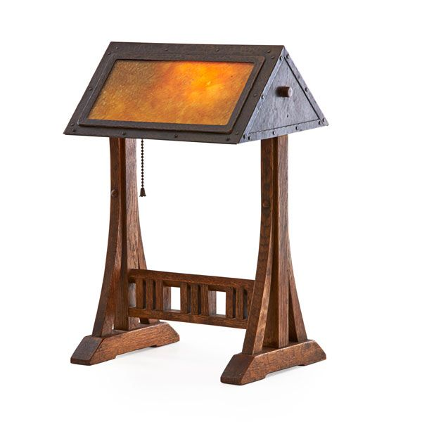 GUSTAV STICKLEY Rare and fine adjustable table lamp (no. 506), Eastwood, NY, ca. 1906 Oak, hammered copper, patinated iron, glass, mica, single socket