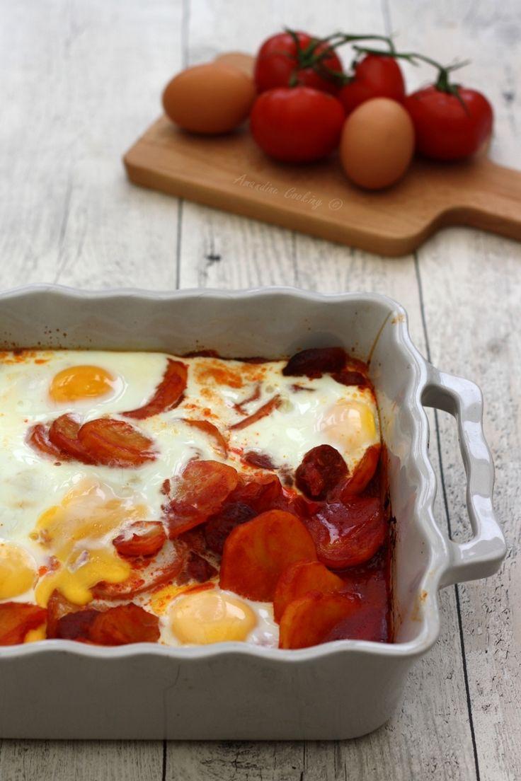 Gratin de pommes de terre à l'espagnole. Un plat complet composé de pommes, de terre, tomate, chorizo et œuf !