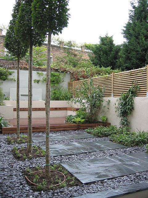Slate Paving and Chippings in a Contemporary Garden by Modular Garden