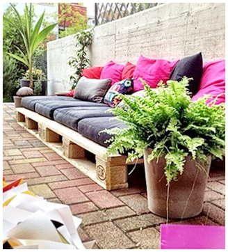 Decoraci n low cost mobiliario para terraza con palets for Mobiliario para terrazas pequenas