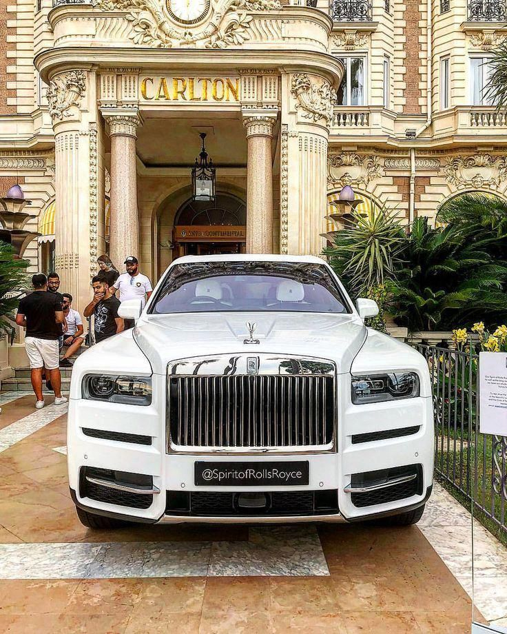 Supercar Duo Luxurycorp Rollsroyce: Rolls Royce Cullinan, Rolls Royce