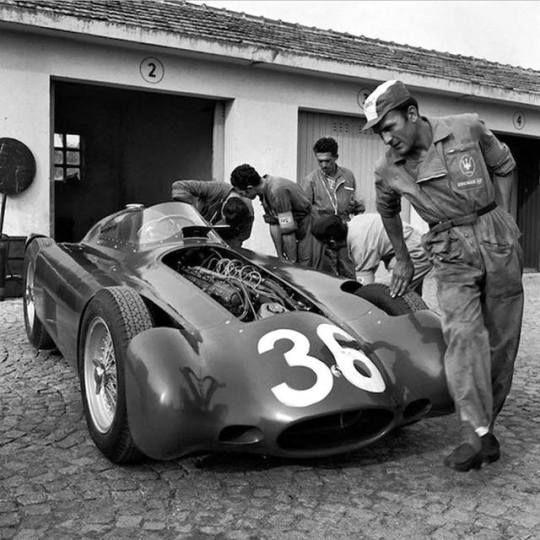 Jean Behra (Maserati 250F) Grand Prix d'Italie - Monza 1955 (ph. Twitter) source UK Racing History.