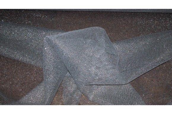 Tejido imitando una malla de alambre, de consistencia rígida y fácil de moldear. Disponible en plata y dorado. Ideal para disfraces de gladiador, caballeros medievales, complementos como mallas de plata..#Malla #tul #tela #alambre #plata #oro #rígida #moldeable #confección #disfraces #medieval #gladiador #caballero #malla #telas #tejido #tejidos #textil #telasseñora  #telasniños #comprar #online #comprartela #compraronline
