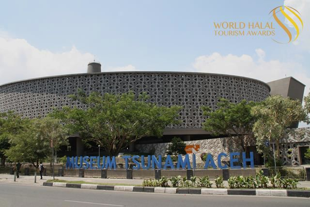 Wow , Indonesia Raih 12 Penghargaan World Halal Tourism Award 2016 - http://yukdolanjogja.com/wp-content/uploads/2016/12/Worlds-Best-Halal-Cultural-Destination-Aceh.png - http://yukdolanjogja.com/wow-indonesia-raih-12-penghargaan-world-halal-tourism-award-2016/ -  #Indonesia, #Penghargaan, #Travel, #Wisata