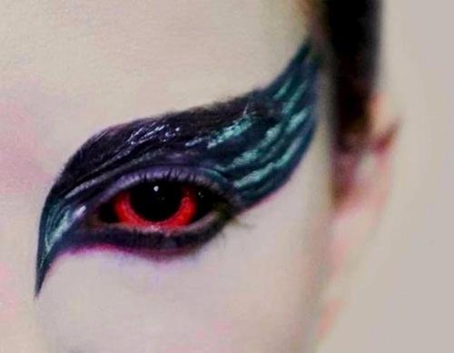 Black Swan - Natalie Portman: Halloween Costume, Swan Lakes, Swan Eyes, Blackswan, Hairs, Halloween Makeup, Black Swan Makeup, Costume Idea, Eyes Makeup