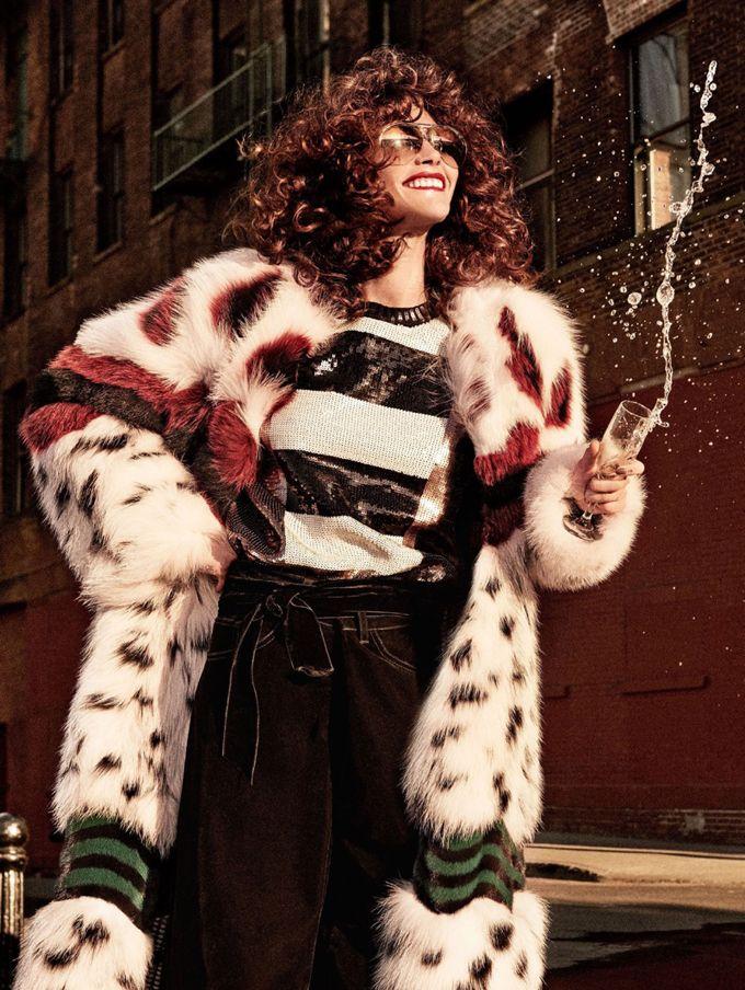 Топ-модель Кэтрин Макнил (Catherine McNeil) позировала Джампаоло Сгуре (Giampaolo Sgura) на страницах декабрьского выпуска Allure Magazine.