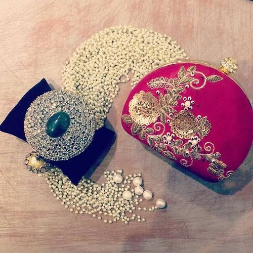A small clutch to go with your every traditional wardrobe