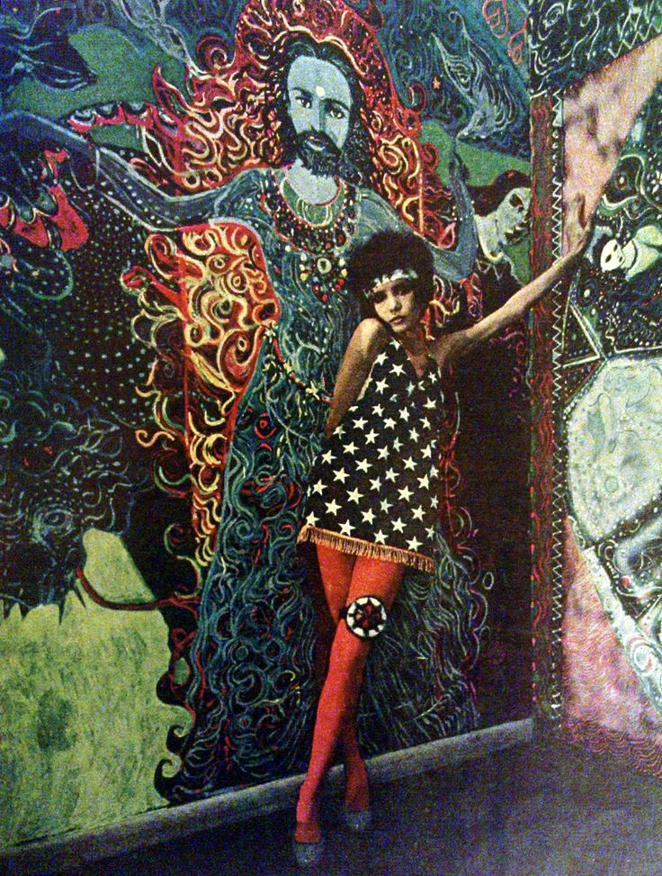 Psychedelic fashion - East Village, New York, 1967.                                                                                                                                                                                 More