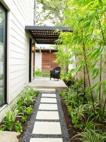 27 easy and cheap walkway ideas for your garden gravel for Affordable walkway ideas