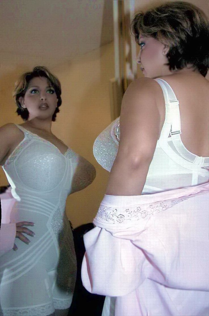 granny korselett granny korselett Wow, BH unter Korselett… Wow, bra under corselett