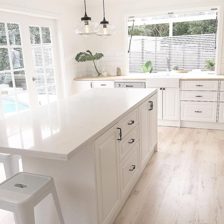 awesome kitchen | Bunnings handles | Bunnings kitchen | Bunnings pendant lights