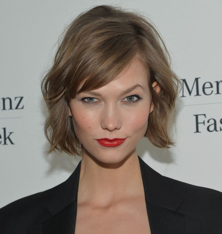Karlie Kloss light brown hair tousled bob Brunette hair Pinterest