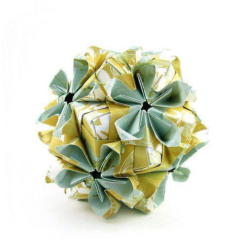 Double Flower Kusudama - Sinayskaya  Designer: Maria Sinayskaya  Units: 30 squares  Paper: Whimsy Press Gift wrap: Double Flowers, Flowers Kusudama, Gifts Wraps, Press Gifts, Photo
