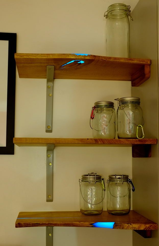 This Guy Found An Old Piece Of Wood From A Timber Yard. What He Transformed It Into Is Genius. [MOBILE STORY]