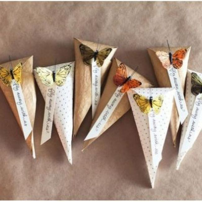 DIY Paper Cones {Packaging or Gift Wrap}, pretty for gifts or rice tosser at a wedding. #tipjunkie #papercones #wrappingideas