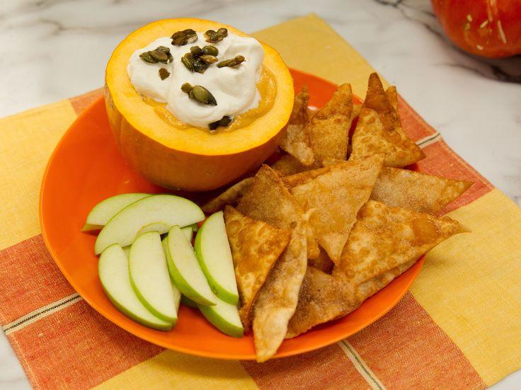 Sweet Cream Cheese Pumpkin Dip with Fried Wontons