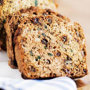 Jag får ofta frågan om vilket bröd som är bäst att äta!  Här kommer ett recept på ett GI-bröd som är enkelt att baka och smakar fantastiskt ...