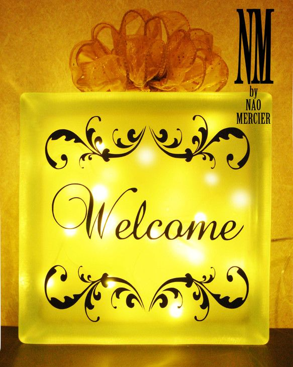 『Welcome』の文字を入れた、Welcomeライトです。 ご自宅の玄関先などにいかがですか? 又は、結婚式のウェルカムボードとして受付に置いたら 人目を引...|ハンドメイド、手作り、手仕事品の通販・販売・購入ならCreema。
