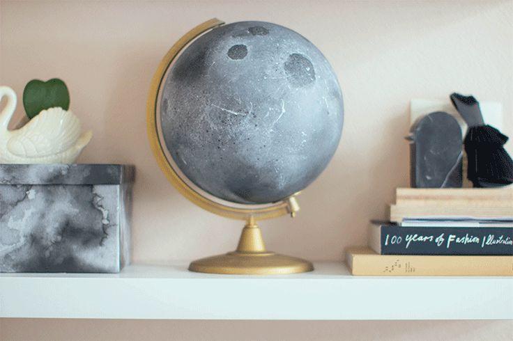 "Globe ""lunaire"" (http://makemylemonade.com/diy-to-the-moon-and-back/)"
