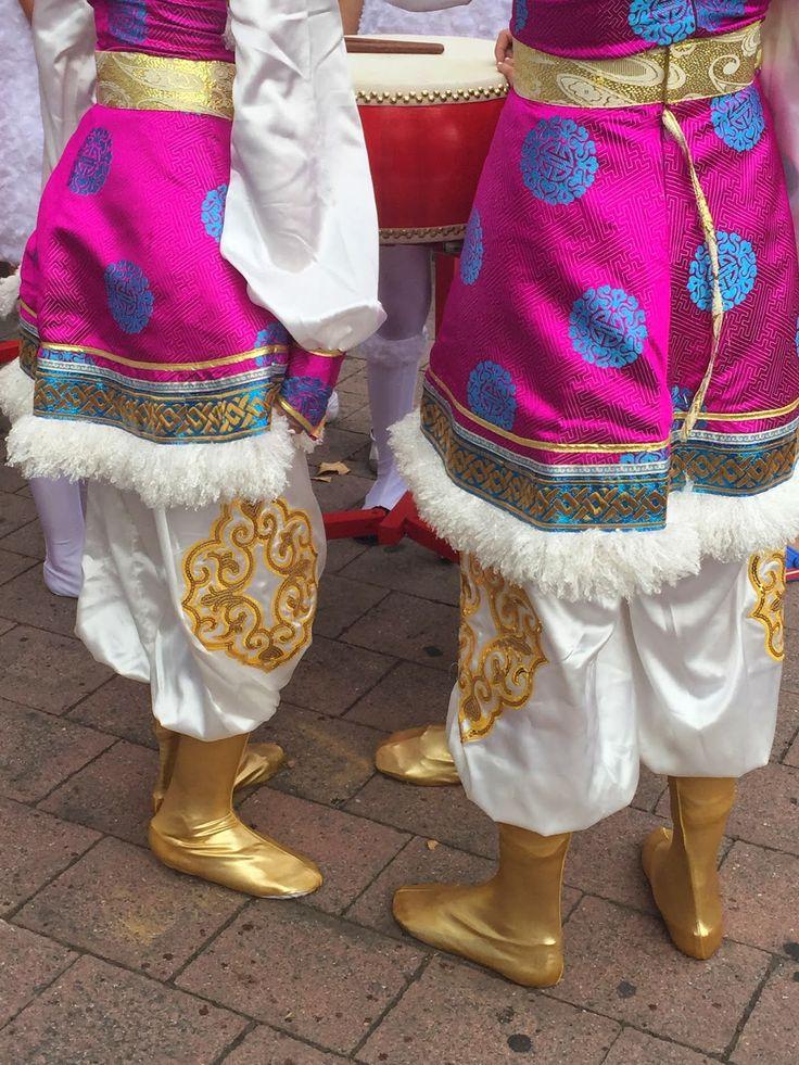 Decorative dancers at the Canberra National Multicultural Festival | Cider.Teak