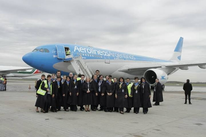 Tripulacion de Aerolineas Argentinas. Te esperamos en www.facebook.com/viajaportupais