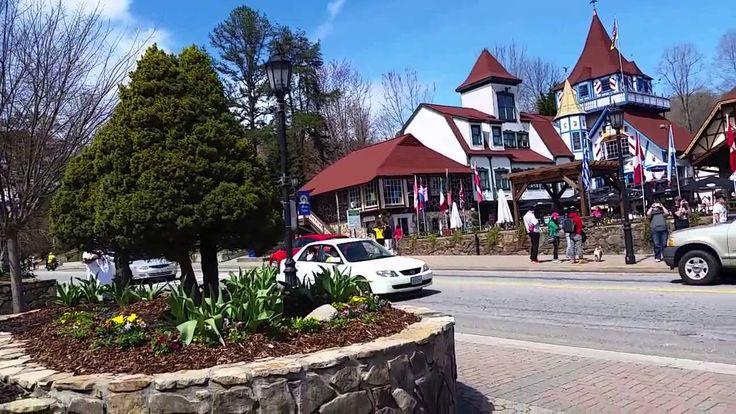 Город Хелен на севере Джорджии – это маленькая Бавария в горах Америки! Местные еще его называют «альпийской деревней».Находясь там, сложно поверить, что Вы в Америке, а не в Европе. Будто по волшебству Вы перенеслись на уютные улочки маленького немецкого городка. Красивые домики с красными крышами, уникальная архитектура, множество сувернирных магазинов, и все это у подножья гор Аппалачи! Хелен занимает третье место по посещаемости среди городов штата Джорджия.