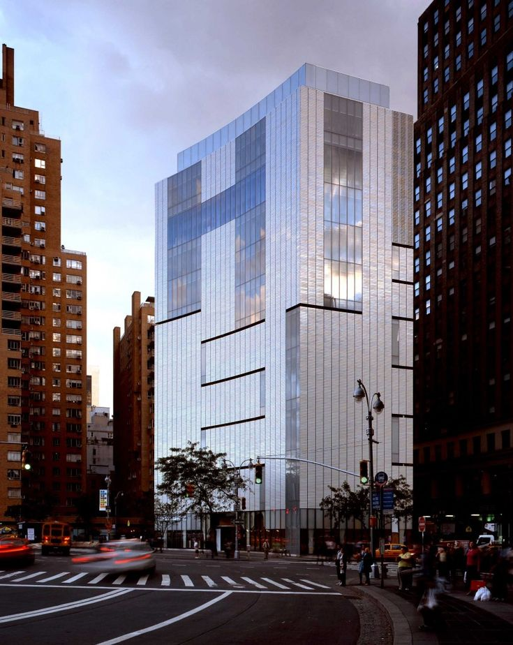 museum of arts u design ofrece cuatro pisos soberbias de diseo y artesana y objetos
