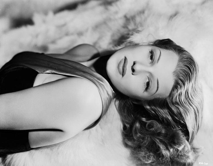 Décadas: Iconos que marcaron su paso dentro de la moda y la belleza de los años 40's|Leonardo Rocco