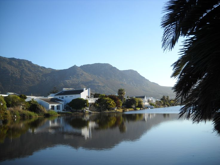 Peaceful surroundings, romance and stunning views await you at Lakeview Villa in Marina da Gama- One of Cape Town's best kept secrets.