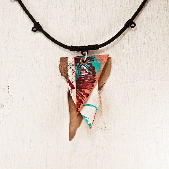 Primitieve ketting Boho sieraden  unieke kunst hanger door rainwheel