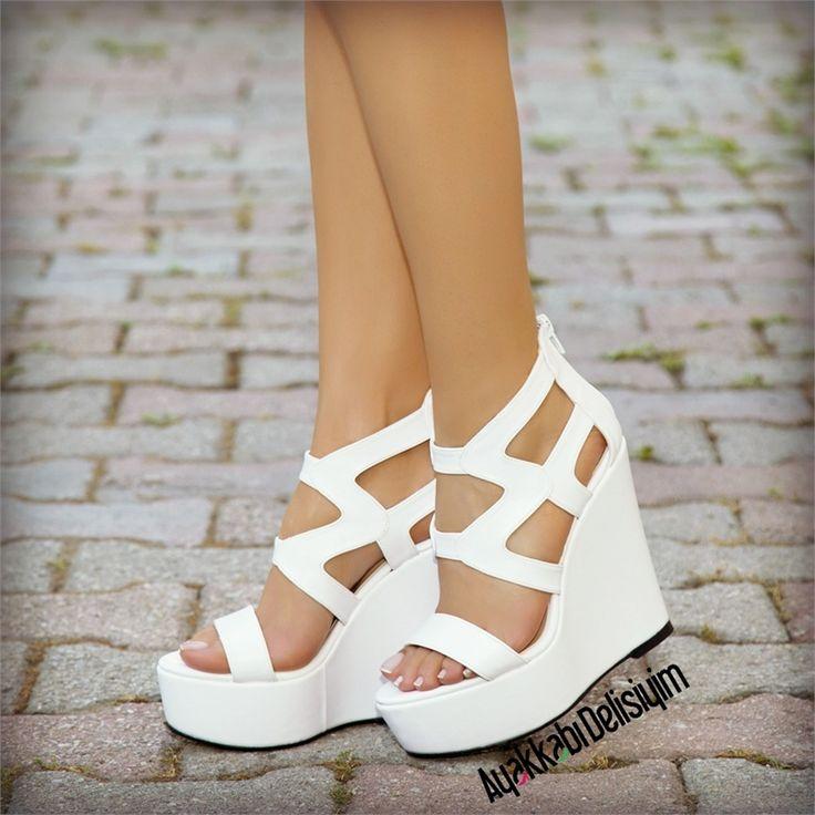Mileta Beyaz Kafesli Dolgu Topuk Ayakkabı #white #shoes #shoelover