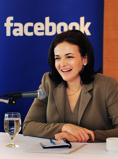 """페이스북 COO 샌드버그, """"페북을 100년 가는 기업으로 만들것"""""""