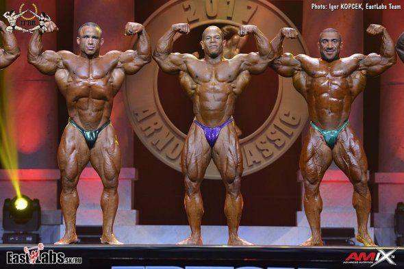 Raymond (3.), Henry (2.) a  Ashkanani (1.) - finalisti kategórie do 212 libier na Arnold Classic 2017.