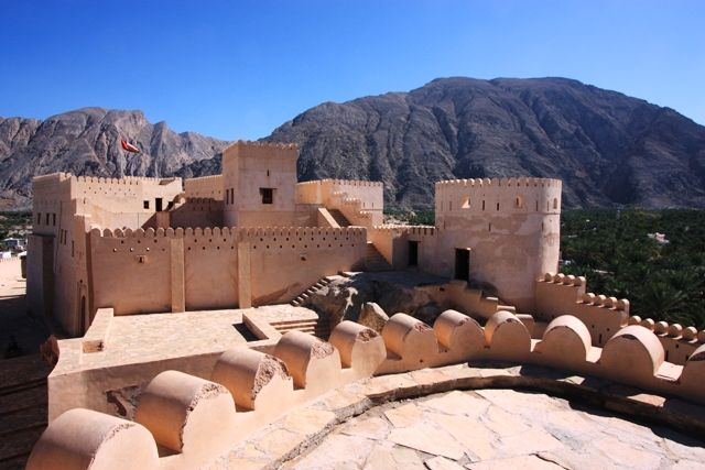 Nakhl- Rustaq Loop - From the Batinah Coast to the west of Muscat along the base of the jebels are several key towns of special interest.