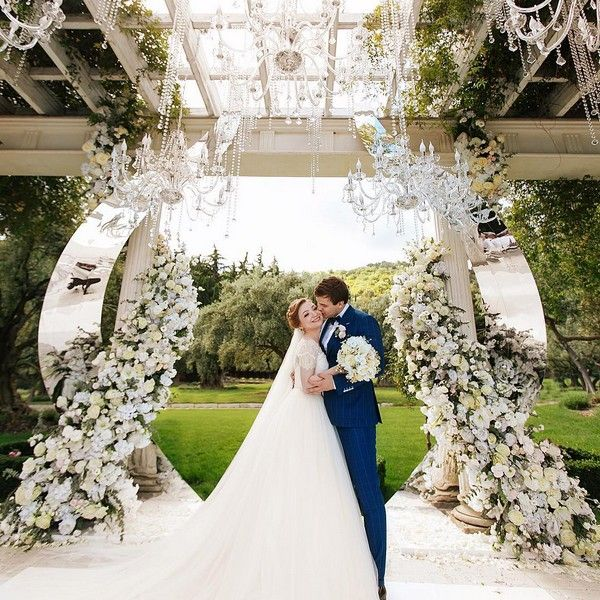 Modern Wedding Decoration Ideas: 20 Modern Wedding Arches And Backdrops From Nebodecor