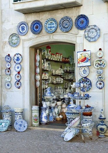 Estremadura Region, Pottery Shop In Alcobaca