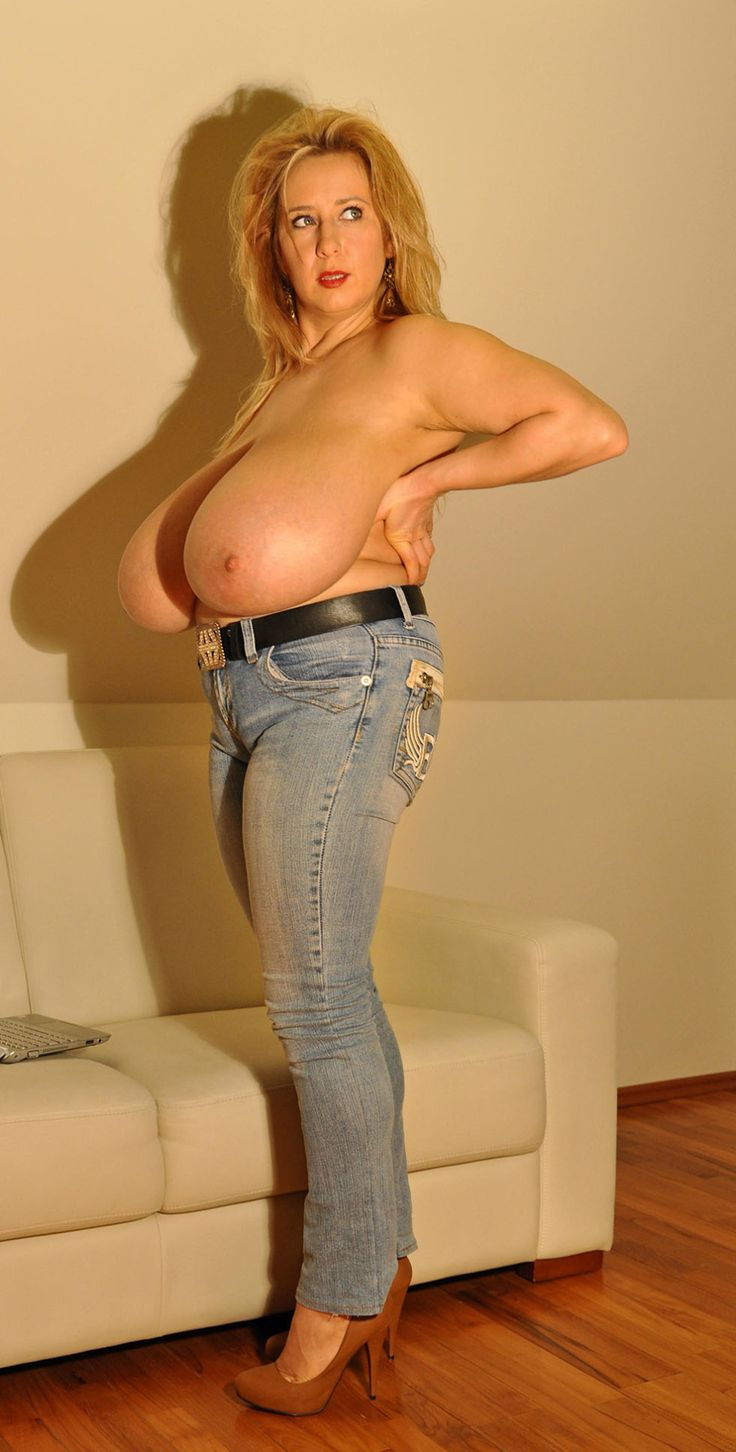 Old Mature Woman With X Large Tits 67