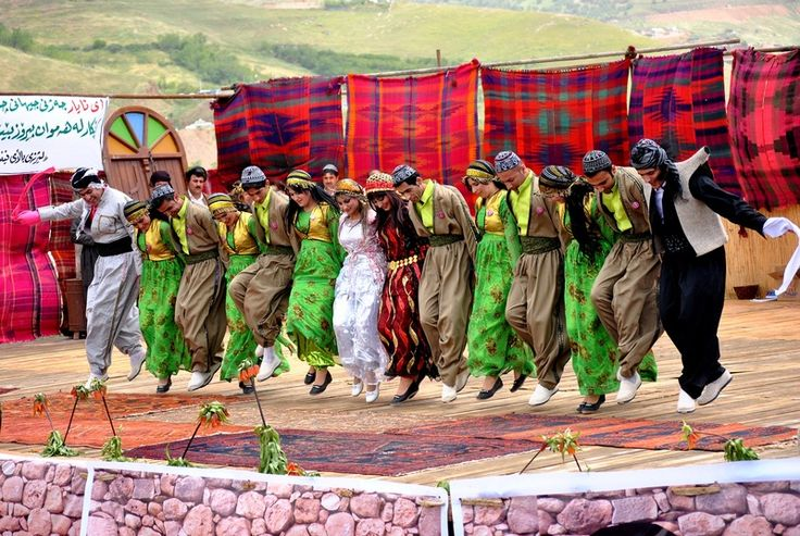 Kurdish Dance (image by sartep osman)
