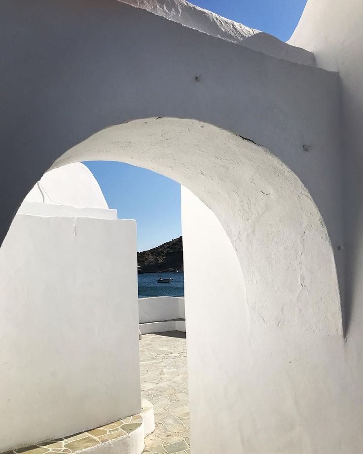 "12 Likes, 1 Comments - Vassiliki Kanellopoulou (@vasskan) on Instagram: ""Greek minimalism in white and blue. #sifnos #cyclades #architecture #greece #instamoment"""