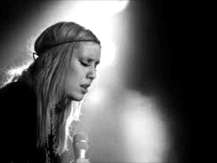 Lykke Li - I follow rivers + Lyrics