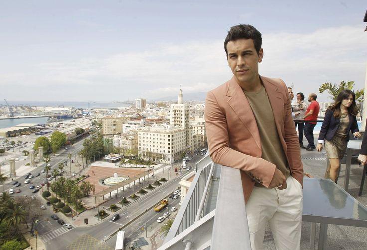 El actor Mario Casas en la terraza del AC Hotel Málaga Palacio by Marriott